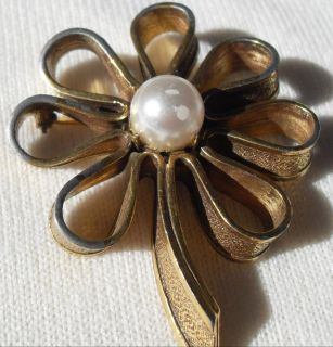 Vintage Signed Brooch Flower with Pearl Center