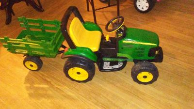 12v john deere tractor with trailer