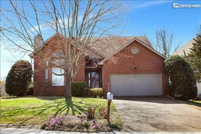 $4000 4 single-family home in Brentwood
