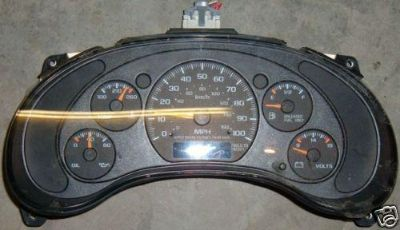 Sell S10 Pickup / Blazer Hombre Speedometer Cluster A.T. W/O Tach 1997-1998 OEM motorcycle in Sevierville, Tennessee, US, for US $54.99