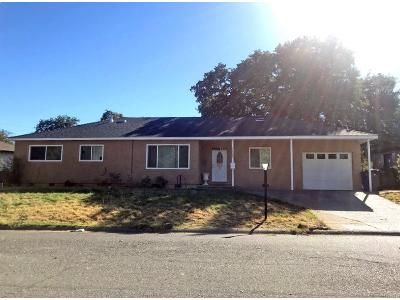 4 Bed 2 Bath Foreclosure Property in Red Bluff, CA 96080 - Garryana Dr