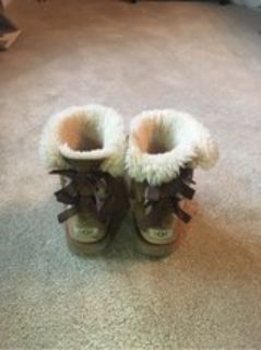 Girls Ugg Boots - Size 4