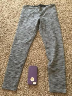 Women s size small yoga pants in GUC $3.00