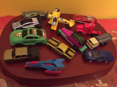 lot of 45 diecast plastic mixed cars small toys