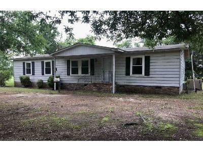3 Bed 2 Bath Foreclosure Property in Sumter, SC 29153 - Holman Rd