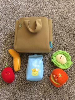Shopping bag with grocery items