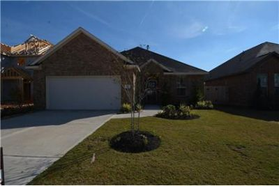 210 Sintra Lake Way in Rosenberg, TX