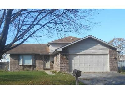 3 Bed 2 Bath Foreclosure Property in Oswego, IL 60543 - Badger Ln