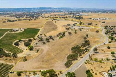0 Dry Creek Road Paso Robles, This conveniently located