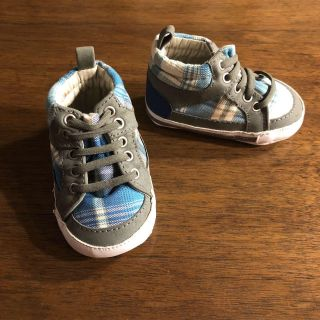 Size 2 or 3-6mos sneakers
