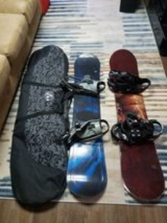 2 Mens Snowboards