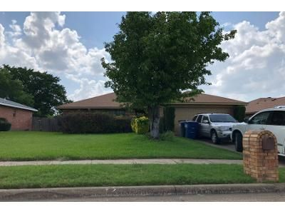 3 Bed 2 Bath Preforeclosure Property in Lancaster, TX 75134 - Strain Ct