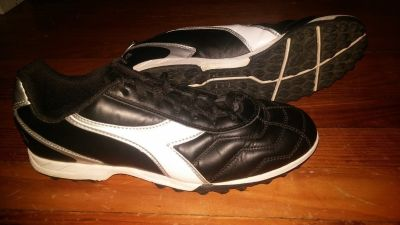 Diadora Turf Shoes Size 9.5 Men's