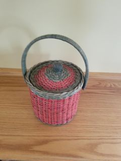 Red and Green ice bucket perfect for the holidays I'll tell you when you get off the