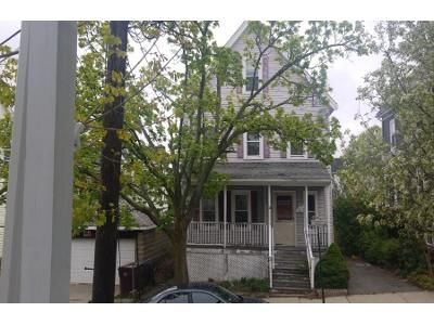 3 Bed 2 Bath Preforeclosure Property in Everett, MA 02149 - Henry St