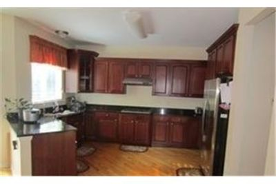 4 bedrooms Apartment - THIS GREAT SPACIOUS HOME FEATURES NEW CARPET. 2 Car Garage!