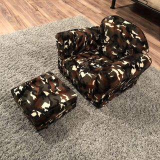 NEW Kid's Chair with Ottoman, Camo