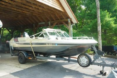 1979 Tri Star Craft Boat w/ 90 hp Mercury motor & trailer