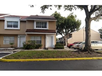 2 Bed 2.5 Bath Preforeclosure Property in Fort Lauderdale, FL 33321 - Woodmont Ave