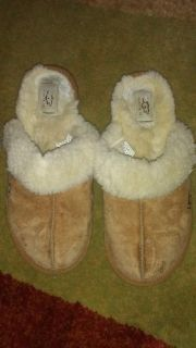 Women's size 10 ugg slippers