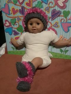 Crochet/knitted baby beanie and booties