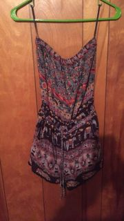 Strapless romper with pockets