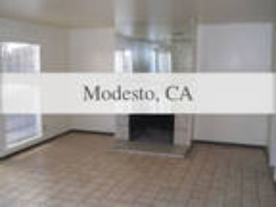 2 BR - This condominium has a family room. Washer/Dryer Hookups!