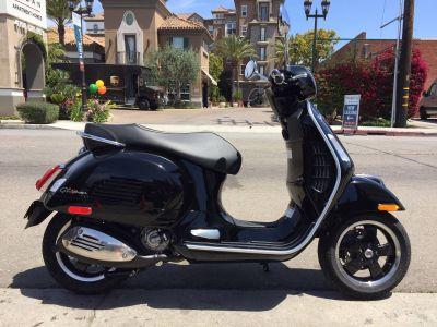 2019 Vespa GTS 300 SUPER 250 - 500cc Scooters Marina Del Rey, CA