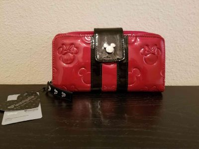 New Loungefly Mickey & Minnie Mouse wallet.