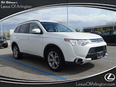 2015 Mitsubishi Outlander SE (Diamond White Pearl)