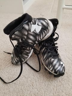 Under armour football cleats - size 3.5