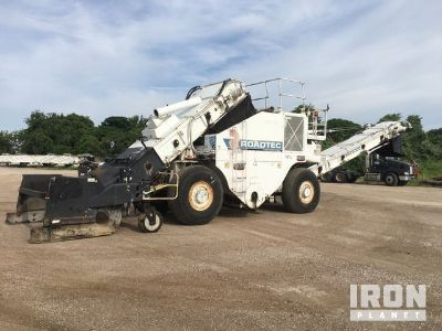 2009 Roadtec SB2500D Asphalt Transfer Machine