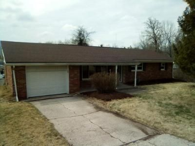 3 Bed 2 Bath Foreclosure Property in Fairview Heights, IL 62208 - Montclair Dr