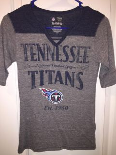 Women s Tennessee Titans Fitted Shirt Size Small