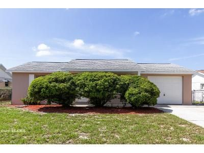 2 Bed 1.5 Bath Foreclosure Property in New Port Richey, FL 34653 - Lomand Ave