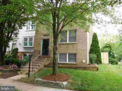 6044 Chicory Pl ALEXANDRIA, Wonderful 3 Level Townhome is