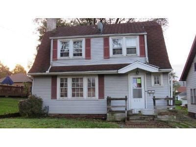 3 Bed 1 Bath Foreclosure Property in Steubenville, OH 43952 - Woodlawn Rd