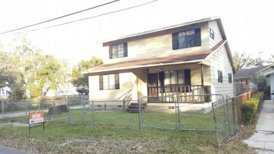 Hidden Gem! 2 Story 3/2 Home overlooking Trout River!
