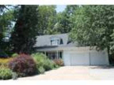$169000 Four BR 3.00 BA, North Newton