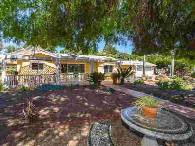 3338 Sunset Dr FALLBROOK Three BR, There???s an extra room off