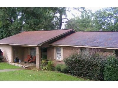 4 Bed 2 Bath Foreclosure Property in Winona, MS 38967 - Oak Ln