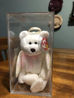 Mint condition Halo TY Beanie baby in clear plastic case
