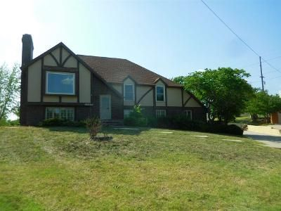 4 Bed 3 Bath Foreclosure Property in Junction City, KS 66441 - Cresthill Dr