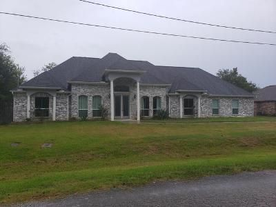 4 Bed 3.5 Bath Foreclosure Property in Beaumont, TX 77707 - Baker Rd