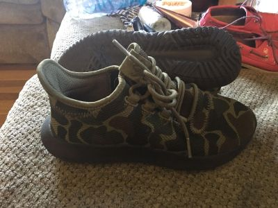 Adidas camouflage sneakers size 4.5