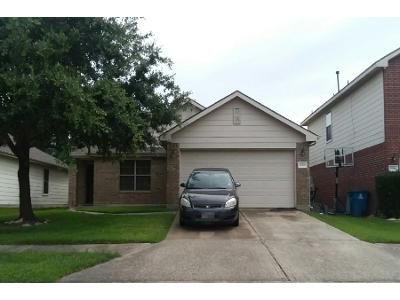 4 Bed 2.5 Bath Preforeclosure Property in Spring, TX 77379 - White Shore Ln