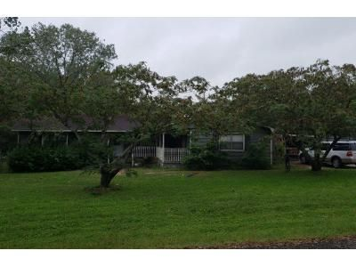 Preforeclosure Property in Hearne, TX 77859 - E Evans St