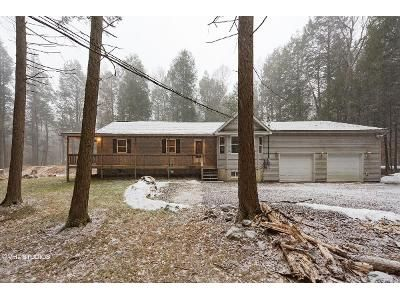 3 Bed 2 Bath Foreclosure Property in Albrightsville, PA 18210 - Wychewood Rd