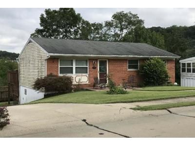 3 Bed 1 Bath Foreclosure Property in Newport, KY 41071 - Hillside Ave