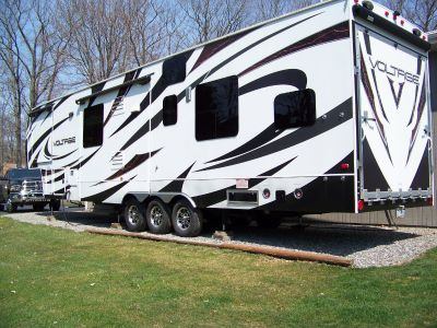 2014 Dutchmen VOLTAGE EPIC 3990